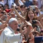 el-papa-francisco e jovenes